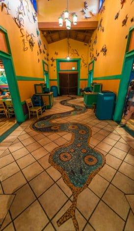 pizzafari-animal-kingdom-restaurant-disney-world-010