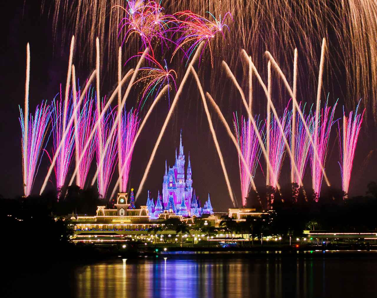 Disney Fireworks Drawing Better Fireworks Photos