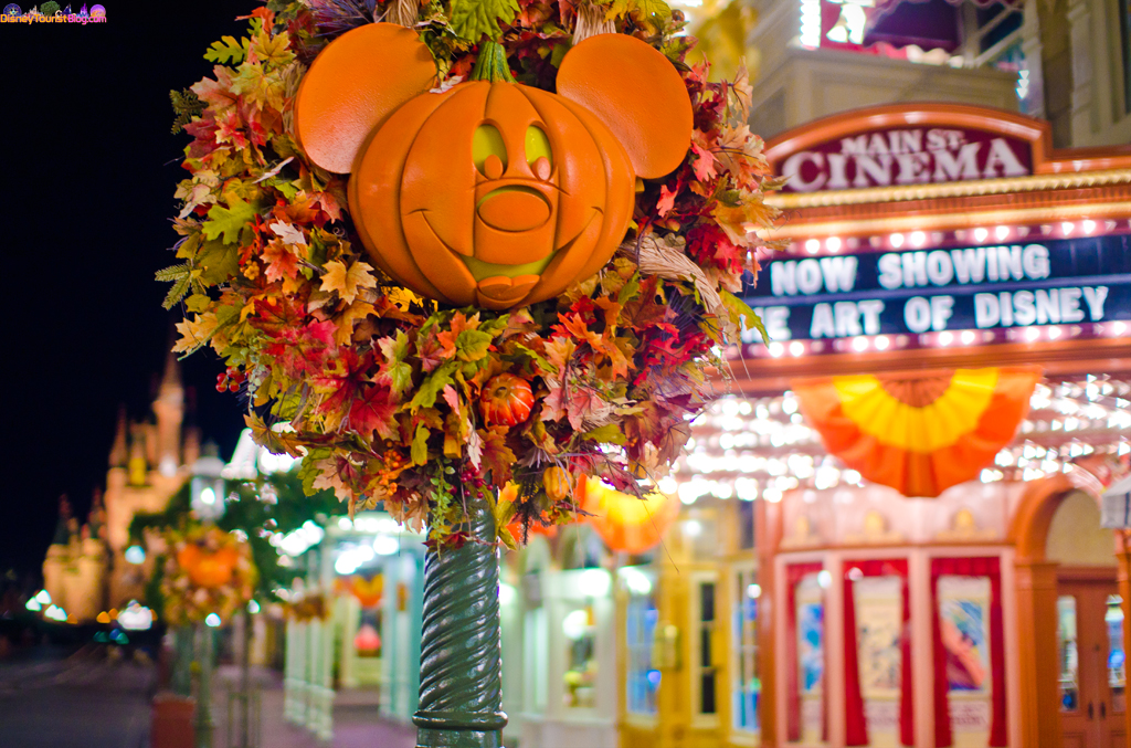 halloween decorations disney photo of the day disney tourist blog - Disney Halloween Decorations