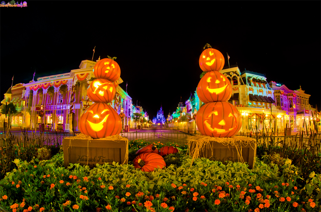 This is Halloween! Halloween! Halloween! - Disney Photo of the Day ...