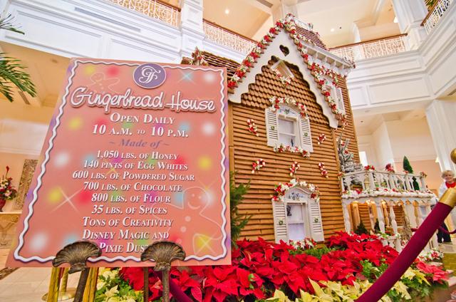 Christmas Decorations At Disney World Hotels : Disney world christmas what s new tourist