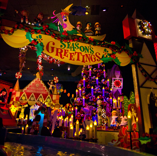"Christmas Decorations For Disneyland: ""it's A Small World"" Holiday Photos, Video & Review"