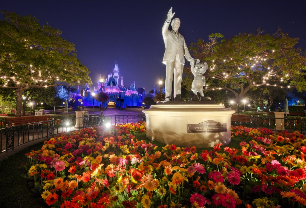 Disneyland S Sleeping Beauty Castle At Night Photo