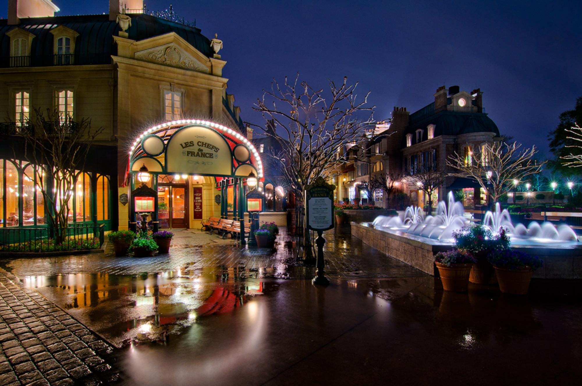 A Rainy Night In Paris Photo Disney Tourist Blog