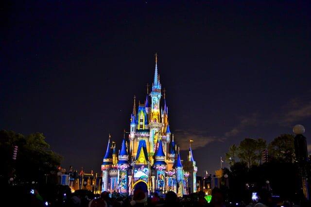Disney Fireworks Drawing a Classic Fireworks Show