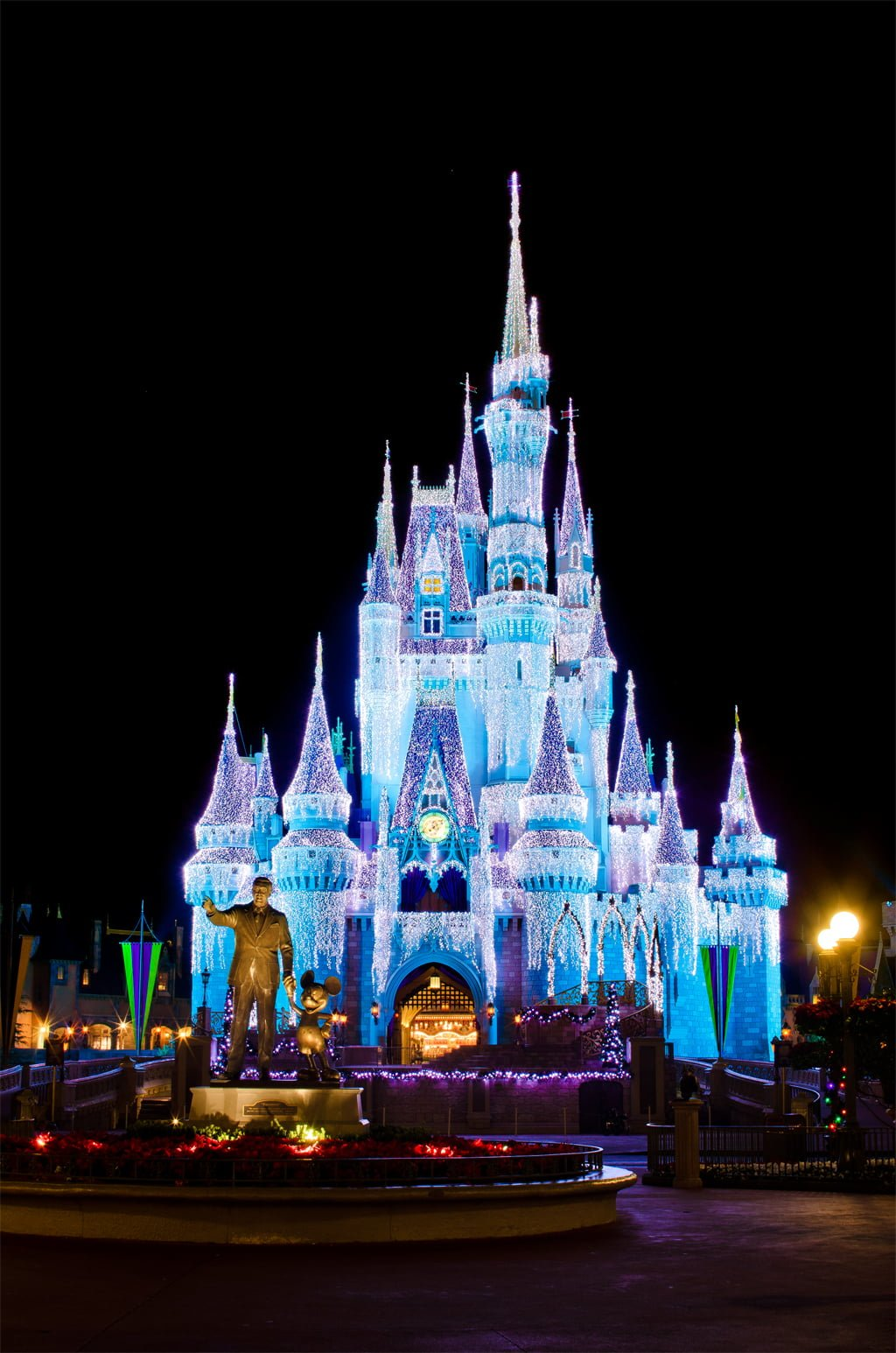 The World Of Playing Cards: Ultimate 2015 Disney World Christmas Guide