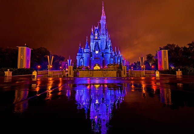 cinderella-castle-blue-sparkles-kiss-goodnight