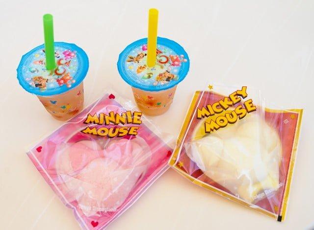 tokyo-disneyland-steamed-buns-tapioca-drinks
