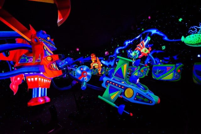 Tokyo-Disneyland-Spring-2013-0316