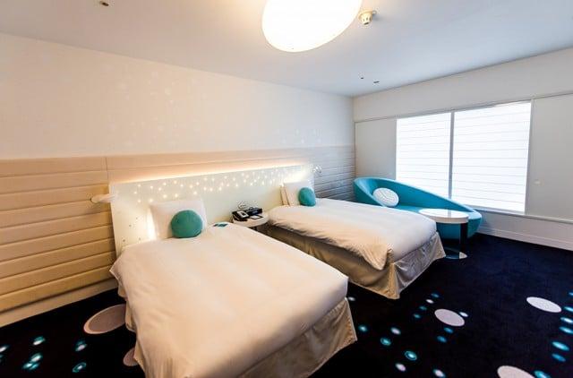 hilton-tokyo-bay-room-beds