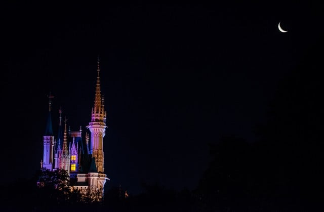waning-crescent-moon-magic-kingdom-castle