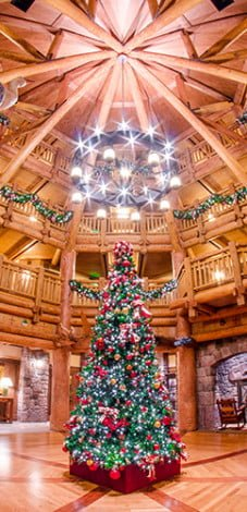 villas-wilderness-lodge-lobby-christmas-disney-world