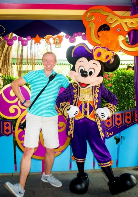 mickey-mouse-halloween-hkdl