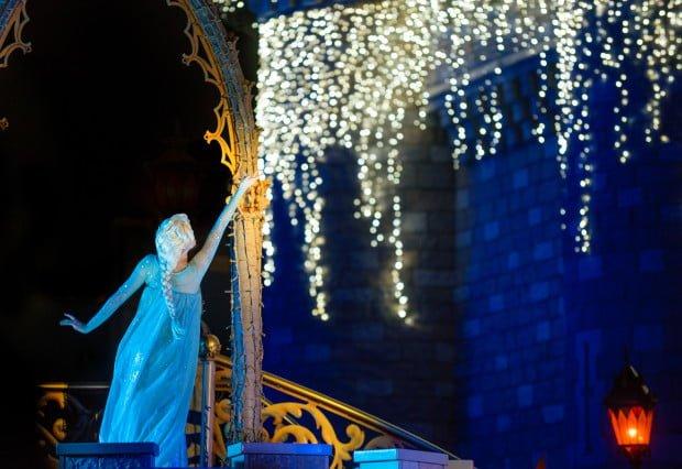 elsa-frozen-castle-show