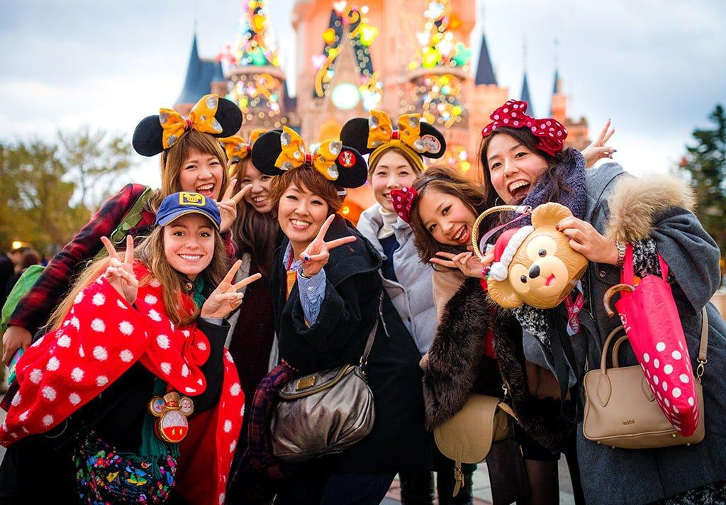 Christmas at tokyo disneyland disney tourist blog for Visit tokyo