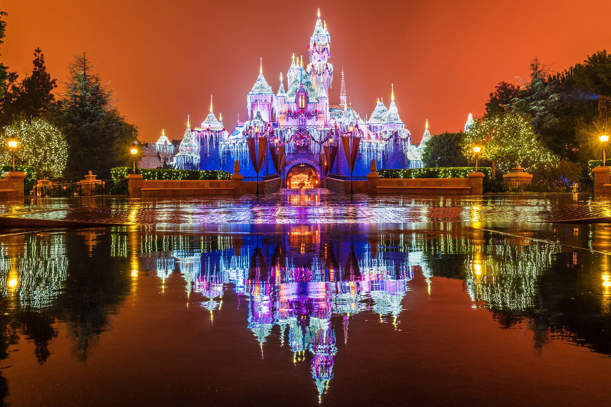 Ultimate 2017 disneyland christmas guide disney tourist blog for Christmas decorations 2016