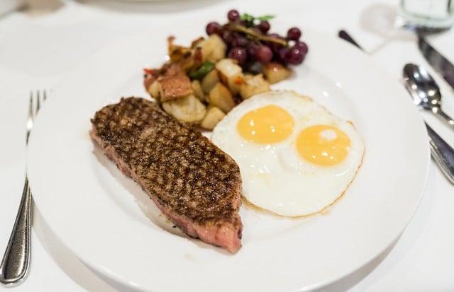 steakhouse-55-disneyland-hotel-289