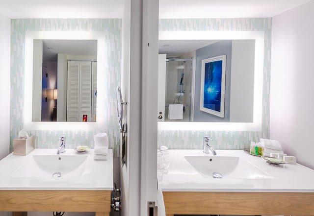 dual-bathroom-sinks-swan-dolphin