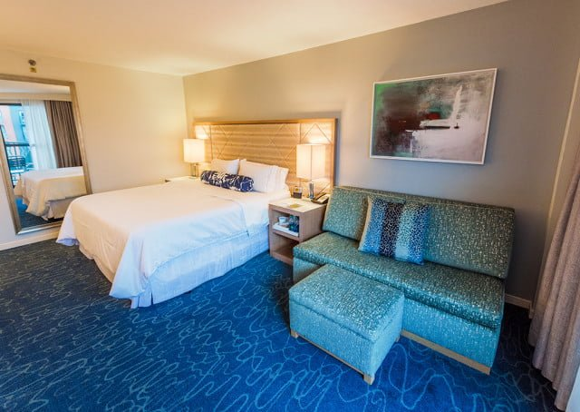 swan-dolphin-room-bed