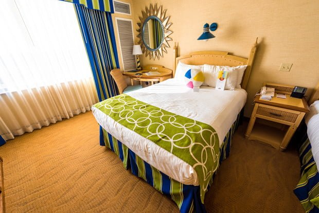 paradise-pier-hotel-bed