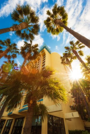 paradise-pier-hotel-side-flare