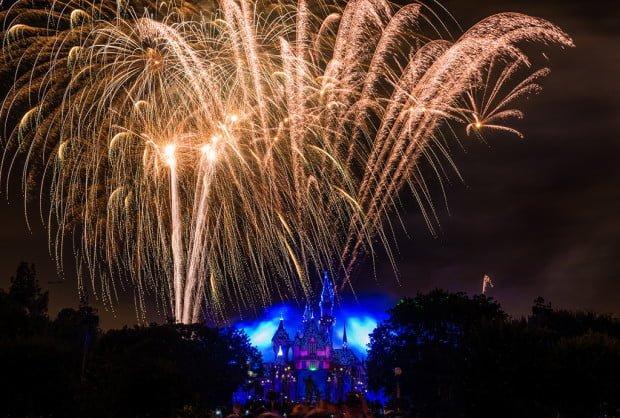 disneyland-forever-fireworks-diamond-celebration-2