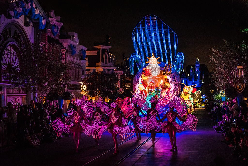 How Much To Paint A Car >> Disney Paint the Night Parade - Disney Tourist Blog