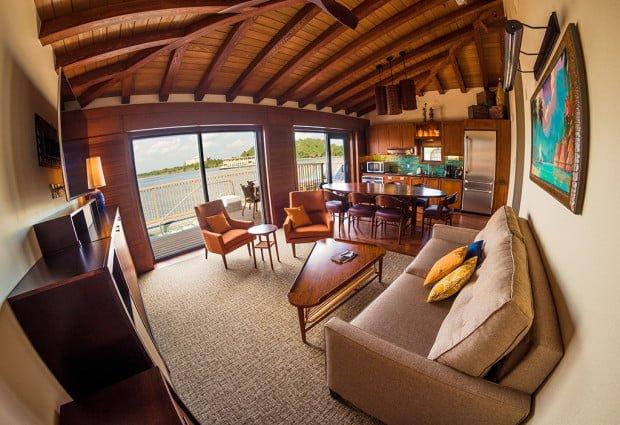 polynesian-bungalow-living-area-fisheye-disney-world