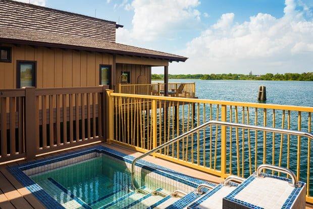 polynesian-bungalows-disney-world-plunge-pool