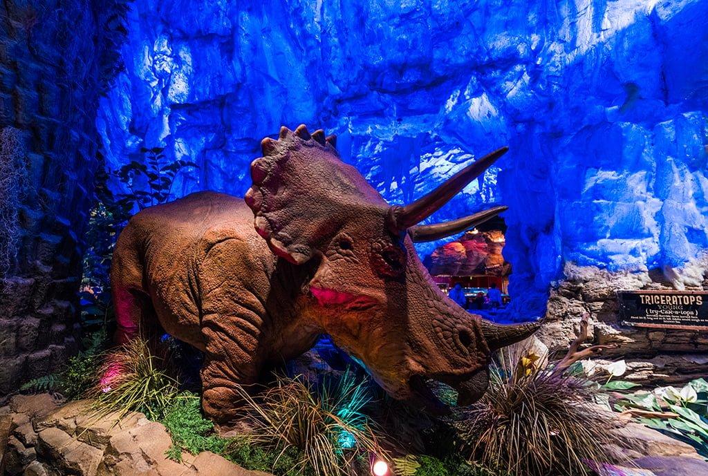 T rex cafe review disney tourist blog for Restaurant t rex