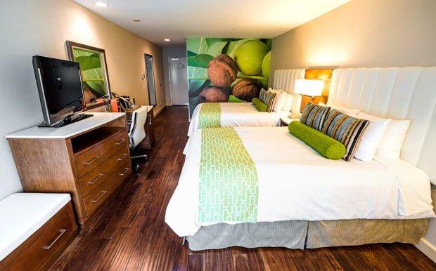 full-guest-room-hotel-indigo-anaheim