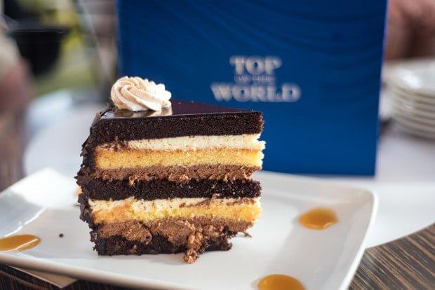 top-world-lounge-bay-lake-tower-disney-vacation-club-walt-disney-world-restaurant-856-620x414