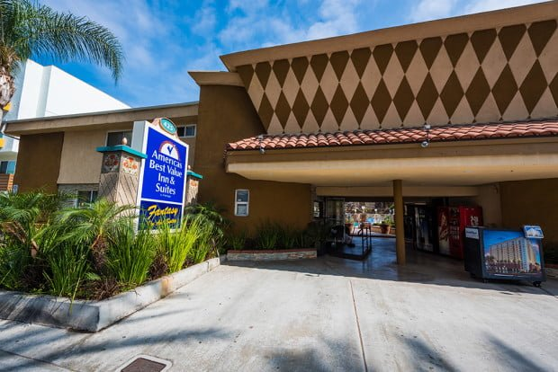 americas-best-value-anaheim-disneyland-hotel-795