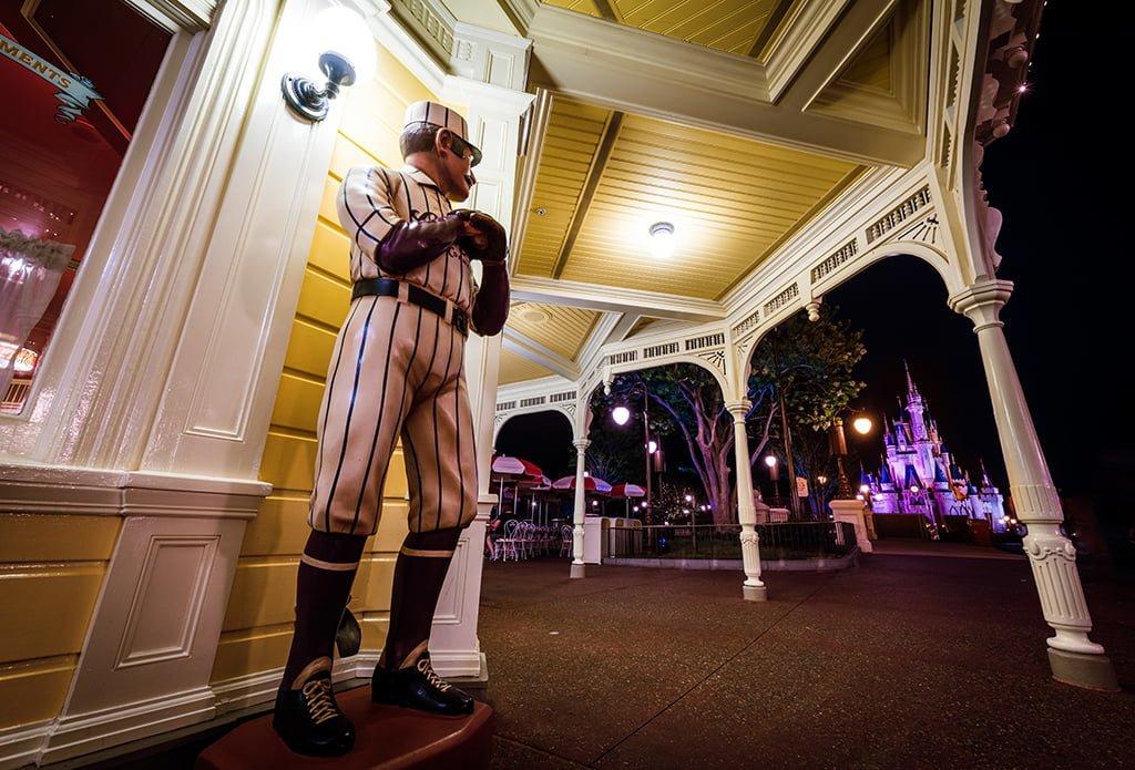 Casey S Corner Review Disney Tourist Blog
