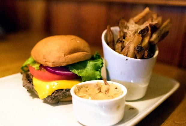 crews-cup-lounge-burger-truffle-fries