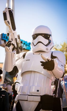 season-of-force-star-wars-force-awakens-disneyland-003