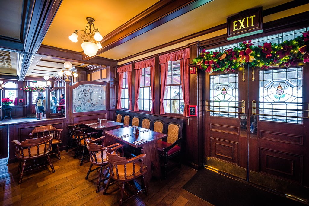 rose and crown dining room | Rose & Crown Pub & Dining Room Review - Disney Tourist Blog