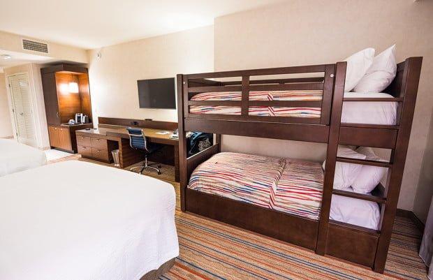 Hotels near Disneyland - Anaheim Islander