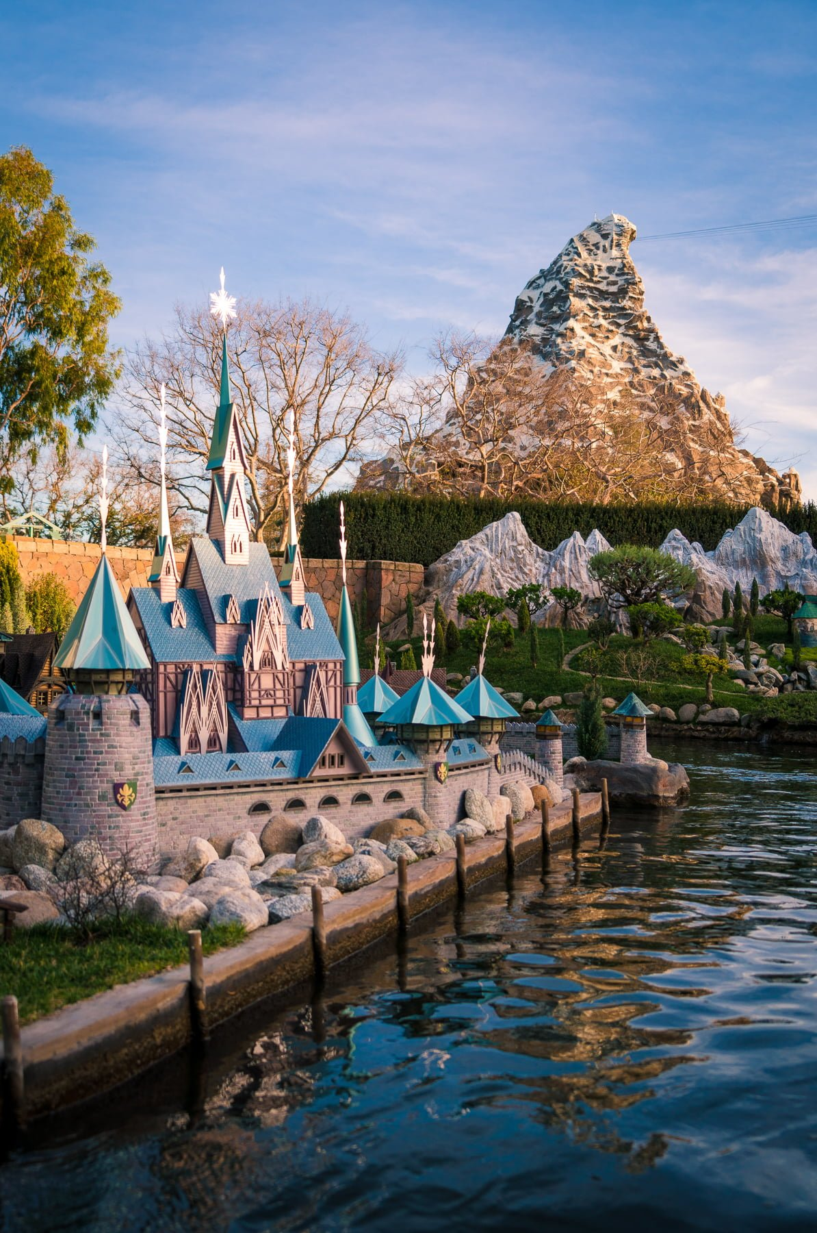 Top 10 Male Models Of All Time: Top 10 Disneyland Attractions