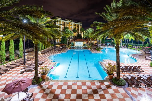 hotel near walt disney world and universal orlando with suite and