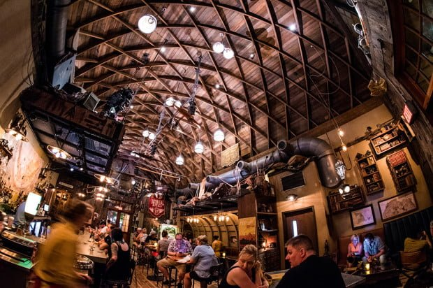 jock-lindseys-hangar-bar-disney-world-002
