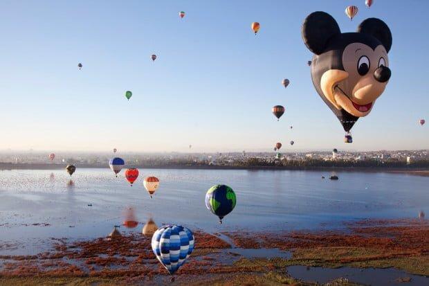 mickey-mouse-balloon