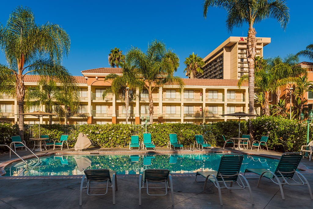 Anaheim Hotels Near Disneyland With Free Breakfast