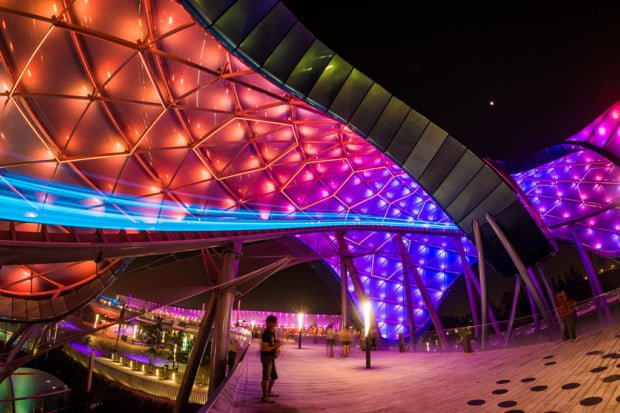 shanghai-disneyland-grand-opening-tron-lightcycle-power-run-014