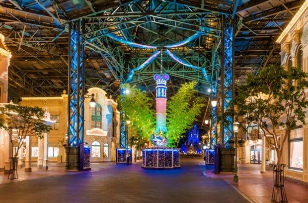 tanabata-days-empty-main-street-tokyo-disneyland copy
