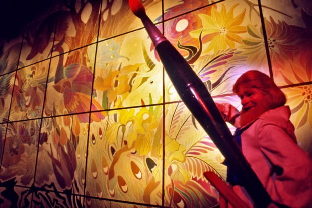 dreamfinder-painter-art-journey-into-imagination-epcot