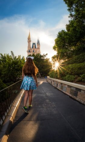 sarah-bricker-sunburst-running-magic-kingdom-disney-world