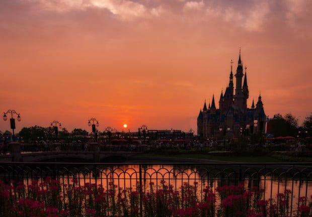 red-sun-sunset-flowers-enchanted-storybook-castle-shanghai-disneyland_1