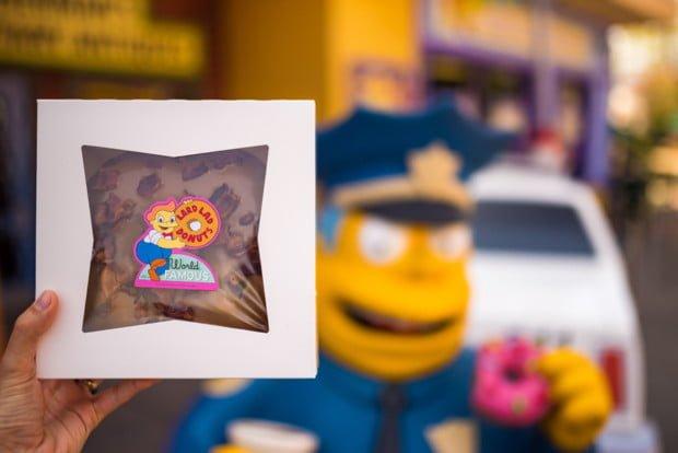 simpsons-lard-lad-donuts-universal-studios-hollywood-los-angeles-california-bricker-020