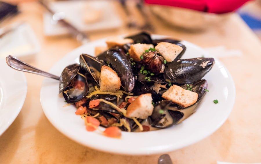 top 10 disney world table service restaurants - disney tourist blog